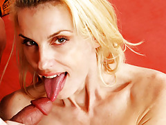 Watch this mom eating this hot knob & swallows all the ball cream