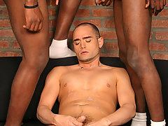 Interracial gay threesome assfucking cum