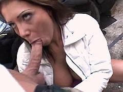 Mature sucks and gets licking pussy